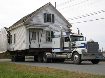 1286258819_houses_moving-23